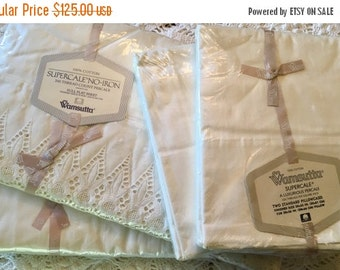 HOLIDAY SALE - Full Set Vintage All Cotton Wamsutta Supercale - Luxurious Percale - Combed Percale Sheet Set - Ivory Eyelet Lace Sheet Set A