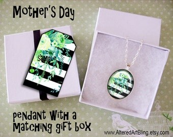 Mother's Day original art pendant and matching gift box,  Mother's day pendants, gifts for mom, Spring, flowers, mother of the bride gifts