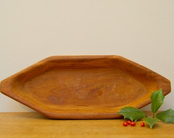 Rustic vintage wood bread bowl. Farmhouse serving tray