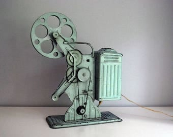 16mm Film Projector, 1930s Keystone Moviegraph E-743, Green Silent Movie Projector, Vintage Electronics, Industrial Decor, Man Cave
