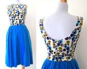 Vintage 60s Glass Menagerie Atlas Blue Floral Velvet Button Back (size xs)