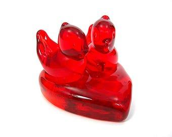 Red Glass Cardinal Pair on Heart Platform - Titan Studios - W Ward 1997 - Cardinal of Love - Hand-blown Love Birds - Romantic Gift for Her