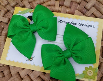 Emerald Piggy Tails -  Green Hairbow Set - Toddler Bow Set - Pair of Oz Hair Clips - Two School Hair Bows - Pigtail Hairbows - 3 Inch Bow