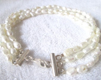 Handmade jewellery/ jewelry/ New handmade ivory freshwater pearl bracelet