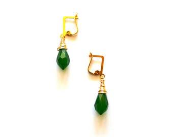 Emerald Green Crystal Earrings / Wedding Jewelry / Green Gold Chandelier Earrings / Gold Wire Wrap Earrings with Gem Cut Crystals in Green