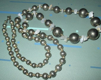 Vintage MOD Dauplaise Silver Tone Metal Beaded Graduated Necklace