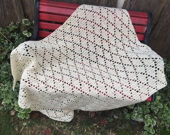 Vintage Hand Crochet Afghan Lap Throw Off White Ivory Diamond Design
