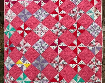 Vintage Hand Quilted Pretty Colorful Pinwheel Pattern Quilt