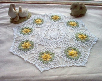Daffodils  N Lace Vintage Style Crochet Thread Art New Doily Handmade