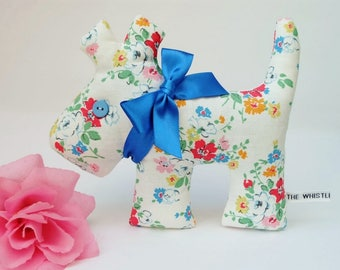 Dog Lavender Sachet, White Floral Scented Lavender Puppy Sachet, Pretty Floral Dog Home Decoration, Small Gift