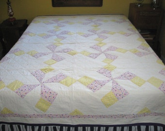 quilt . 1920s quilt . pinwheel quilt . yellow and purple quilt . antique quilt