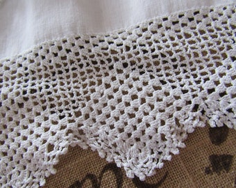 "Antique Vintage 1930s Handmade Finely Crocheted Reclaimed Pillowcase Trim Edging  2-3/4"" Wide Doll Clothing Repurpose Crafts Sewing Fabric"
