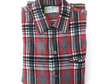 Vintage Mens Shadow Plaid Wool Shirt  / Red and Black Shadow Plaid FINELY WOVEN / Rockabilly Style / Size Medium 15-15.5 Neck