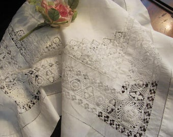 Bright White Vintage Table  Cloth, Lovely Open Pattern, Wedding Cloth