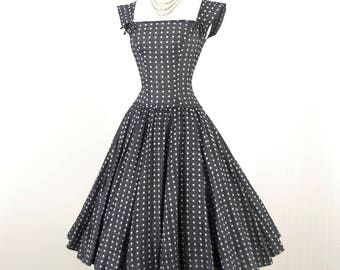 vintage 1950's dress ...delightful spring staple PAT PREMO california gray muslin woven white POLKADOT full circle skirt pin-up party dress