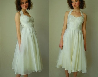 sale 25% rainy days sale Halter Party Dress Vintage 50s Ivory Organza Sweetheart Halter Prom Wedding Dress  (xs)