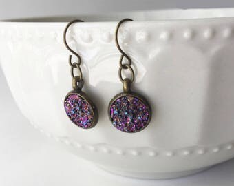 Faux Druzy 10mm, Fuchsia Rainbow Druzy Drop Earring, Brass Druzy Earring, Metallic Earrings, Glitter Stud Earrings