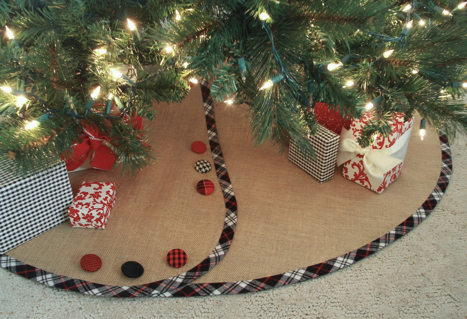 Burlap Christmas Tree Skirt Customized With Banding