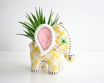 Vintage Ceramic Elephant Planter / Pastel Plaid Elephant Planter / Figural Ceramic Planter / Nursery Planter
