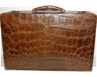 Vintage Boyle England leather Vanity Luggage Train Case