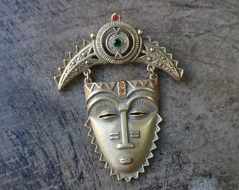 Vintage Mask Brooch / Tribal Mask Pin / Costume Jewelry