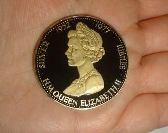 Enamel coin British crown vintage 1977 Queen's silver Jubilee unusual gift