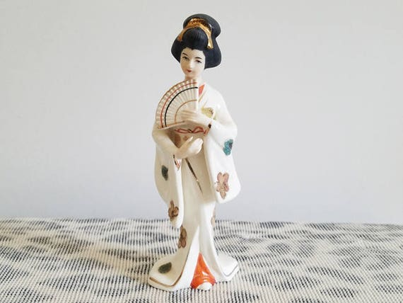 Vintage Japan geisha woman porcelain figurine / Napco / Asian / Oriental / ceramic / pottery / Napcoware