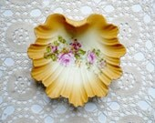 Vintage Scalloped China Shell Bowl Dish - Soap, Trinket, Jewelry - Pink, Yellow Roses Gilt Trim