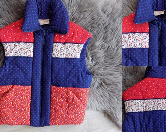 Vintage 70's Western Boho Hippie Prairie Cotton Floral Print quilted puffer Vest, heart Embroidery red white blue Sz M