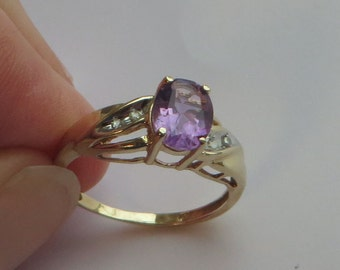 Vintage 1.25 carat Amethyst Ring in solid 10K Y Gold, size 7, tiny white sapphire accents, free US first class shipping