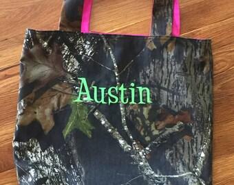 Camo Tote Bag, overnight bag, travel bag, diaper bag, customizable, monogram, camo and pink, embroidery, gift