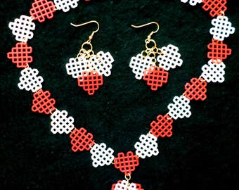 Plastic Canvas Necklace Set - Red, Pale Pink and White Hearts