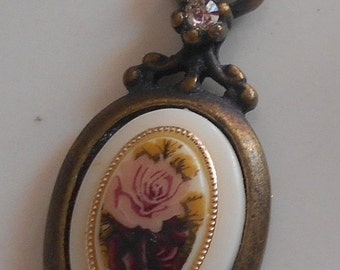 SALE Vintage Pink red Roses Pendant USA