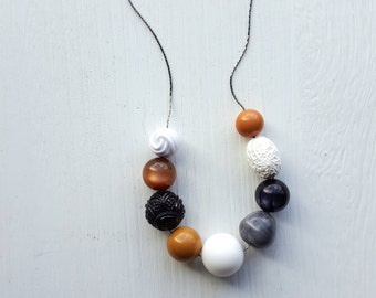 cafe on the seine necklace - vintage lucite
