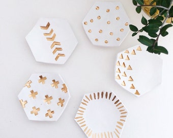 Honeycomb Ring Dish/Circles Honeycomb Ring Dish/ White and Gold Honeycomb Dish