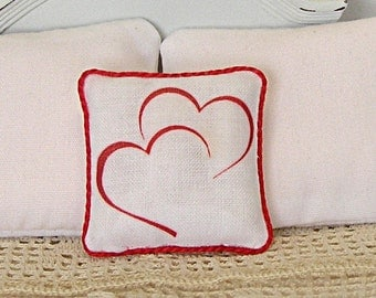 1:12 PillowTwo Hearts - Dollhouse Scale Miniature Shabby Cottage Chic Valentine **Free Shipping**