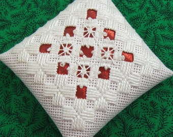 White and Red Hardanger Christmas Ornament 107