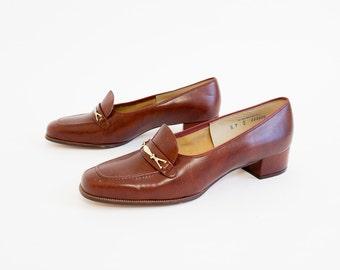 Vintage 1970s Womens Size 9 Shoes / 70s Cobbies Faux Leather Preppy Pumps NOS / Low Chunky Heel, Square Toe