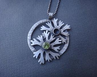 Lichen Medallion with Peridot Stone Necklace