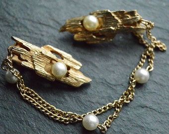 Reserved for Sheilah Kodimer. Mid Century sweater guard clip - modernist design with faux pearls - cardigan