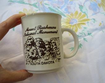 Vintage Coffee Mug // Mount Rushmore National Monument South Dakota // The Shrine of Democracy // Chipped