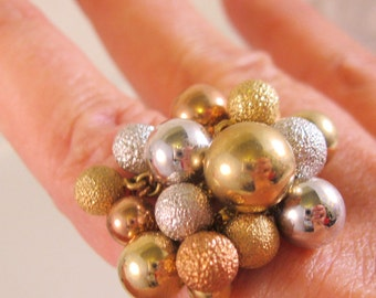 Vintage 1970's Modernist Tri Colored Beaded Ring Size 8 with original tag