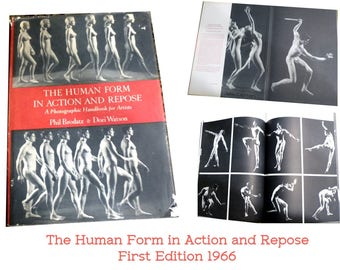 First Edition Book 1966. The Human Form in Action and Repose: A Photographic Handbook for Artists. Nudes Black & White Photos. Mature