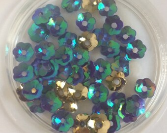 New Sequins - 6mm Cupped Flower - Green Iris and Gold Mix