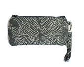 FREE domestic shipping - Wristlet Phone Bag - iPhone6 - Samsung - Black Coral