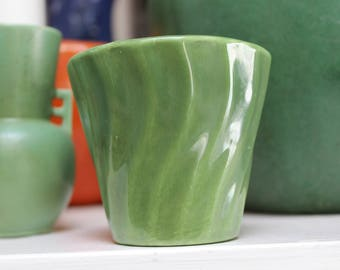 Bauer Pottery Cal Art Swirl Pot Olive Green VINTAGE 1940s 3 inch California Planter by Plantdreaming