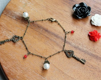 Free shipping - Bracelet with Charms - Beads, Keys and Pearls