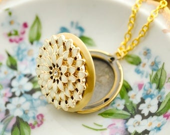 Ivory Dahlia Locket - Keepsake Locket - Photo Locket - Mum, Dahlia, Flower Locket, Bridal Keepsake