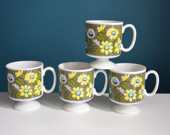 Vintage Set of 4 1960s Daisy Print Ceramic Mugs
