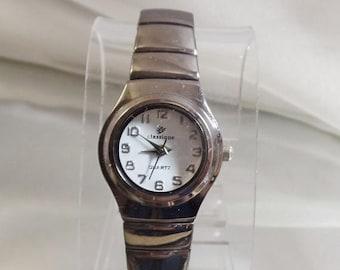 SALE Vintage LJ Classique Watch. Ladies. Dark Silver Tone.  White Face.  Quartz.  Water Resistant.
